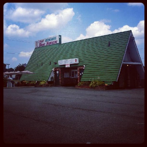 The Dog House In Hampton Va 1025 W Mercury Blvd