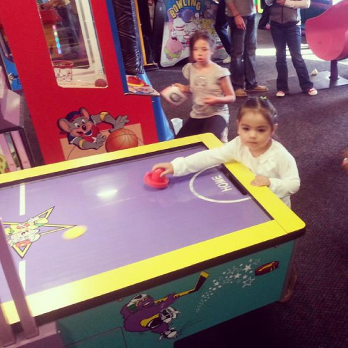 chuck e cheese englewood co