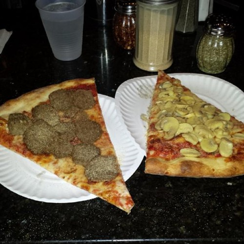 Dani 39 S House Of Pizza Restaurant In Jamaica Ny 8128
