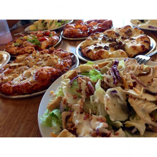 Round Table Pizza is currently located at Branham Ln. Order your favorite pizza, pasta, salad, and more, all with the click of a button. Round Table Pizza accepts orders online for pickup and delivery.