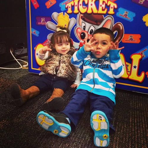 chuck e cheese omaha