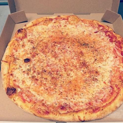 Renna's Pizza in Jacksonville Bch, FL