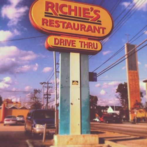 Richie 39 s fast food restaurant in cincinnati oh 1301 for Fast food places open on easter sunday