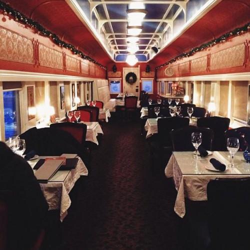 La vieille gare restaurant in winnipeg mb 630 rue des for Chaise cafe winnipeg