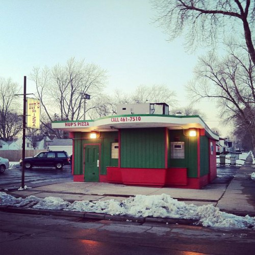 Hup S Pizza In Milwaukee Wi 5400 West Hampton Avenue