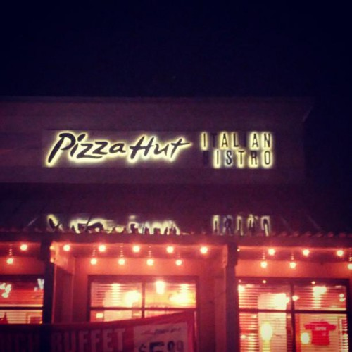 Pizza Hut in Newport, ME