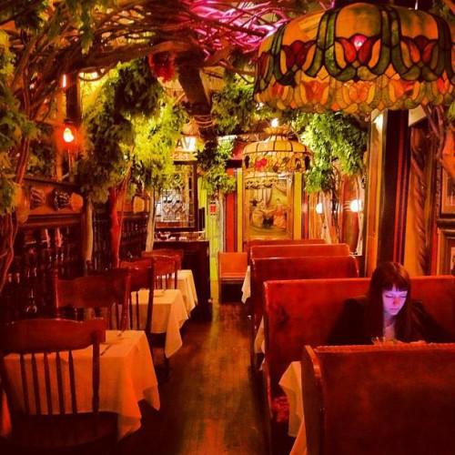Rolf 39 S Bar Restaurant In New York Ny 281 3rd Avenue