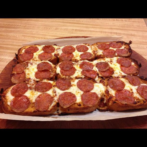 Pizza Hut - Delivery Dine-In Or Carryout, Los Angeles in Los Angeles, CA