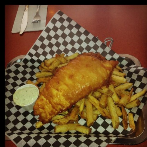 Off the hook fish n chips in toronto on 749 broadview for Fish n hook