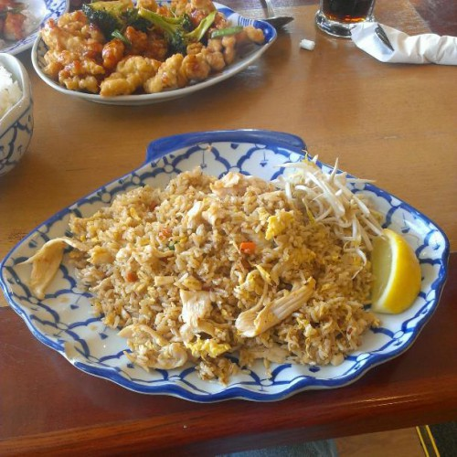 Amarin thai cuisine in shelby twp mi 45709 hayes rd for Amarin thai cuisine