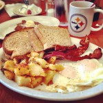 Eggs N At in Coraopolis