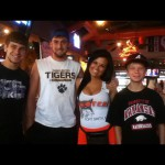 Hooters in Barling