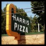 Harris Pizza in Rock Island