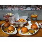 Chris's American Restaurant in Brookfield